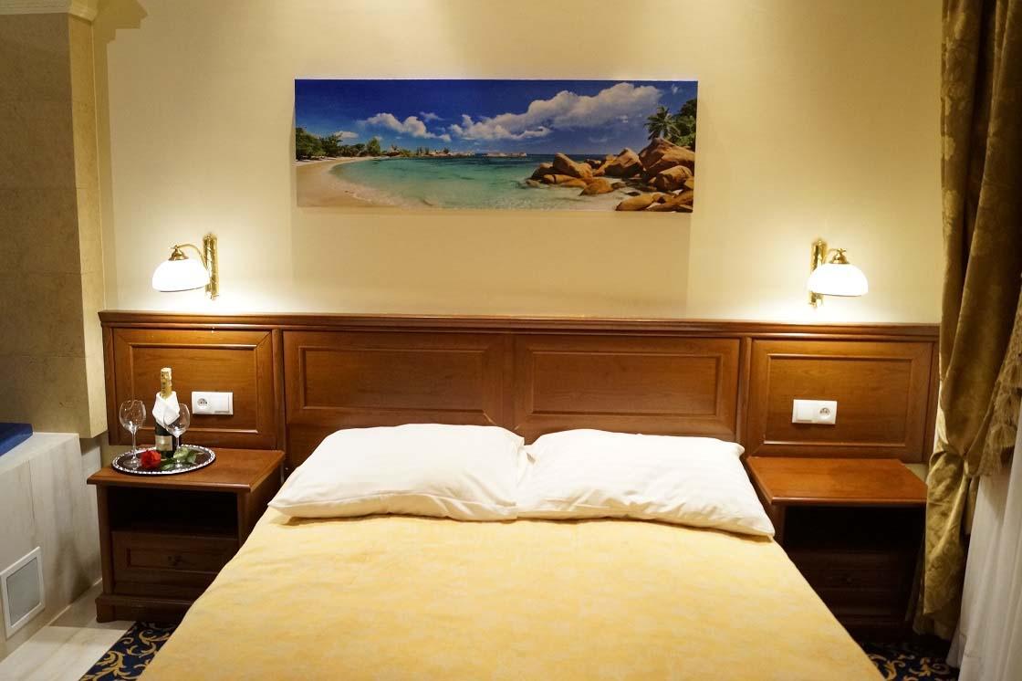 Apart with jacuzzi 101 hotel venecia palace warszawa for Appart hotel jacuzzi