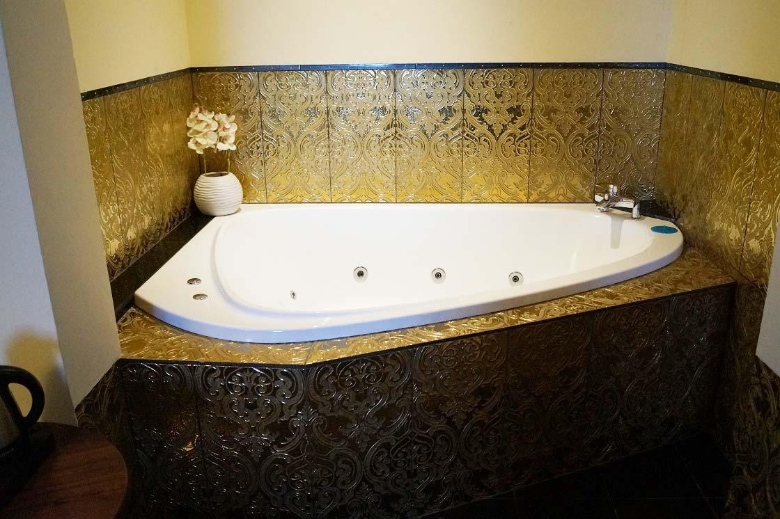 Apart with jacuzzi 203 hotel venecia palace warszawa for Appart hotel jacuzzi