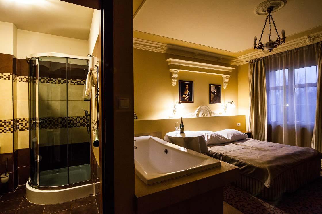 Apart with jacuzzi 208 hotel venecia palace warszawa for Appart hotel jacuzzi