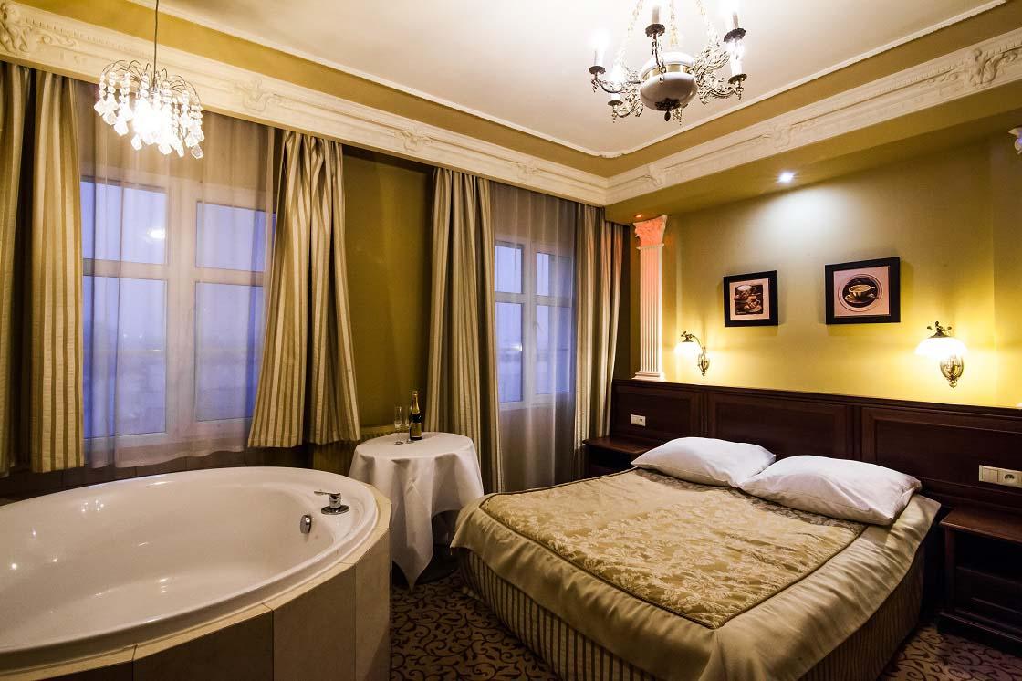 Apart z jacuzzi 210 hotel venecia palace warszawa for Appart hotel jacuzzi
