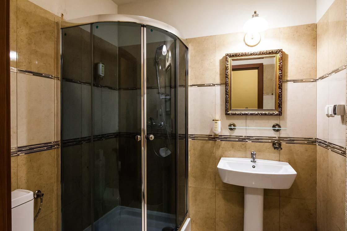 Apart with jacuzzi 217 hotel venecia palace warszawa for Appart hotel jacuzzi